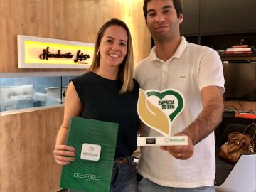 O Studio Humberto Lopes ganha o prêmio de: Empresa do Bem , pelo Instituto do Bem.